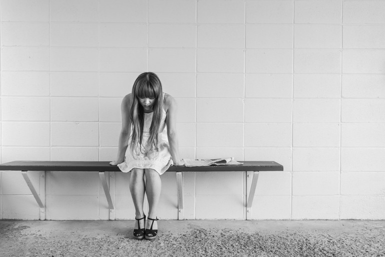 worried-girl-413690_960_720